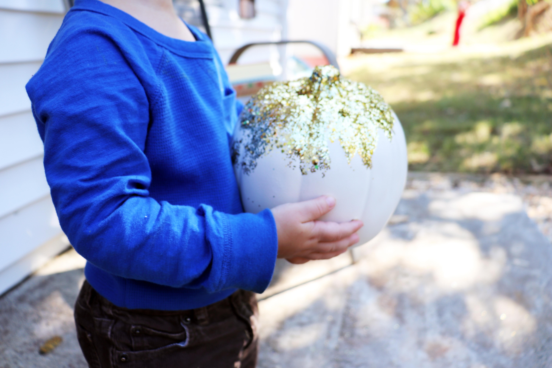 Glitter Pumpkin Toddler Craft Tutorial